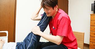訪問リハビリ担当者(理学療法士・作業療法士)のイメージ