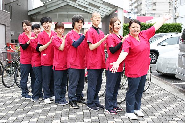 訪問看護ステーションのスタッフ集合写真